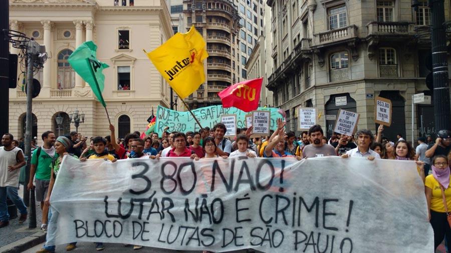 Manifestantes desprotegidxs atrás de uma ideia - São Paulo, 14 de janeiro de 2015